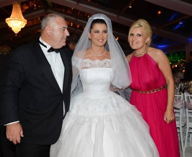 Elena Udrea Momente De Tandreţe Cu Soţul Ei La Nunta Elenei