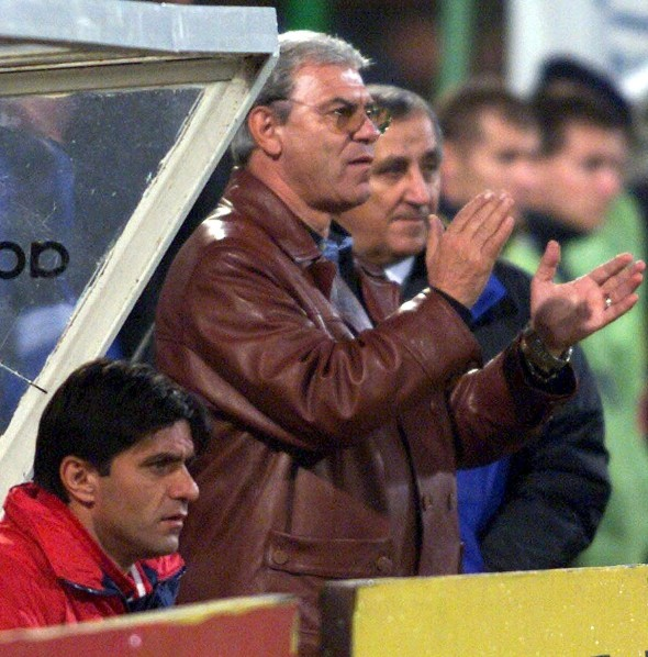 EURO 2000 PREVIEW / COACH EC43-19990810-BUCHAREST, R0MANIA: A picture dated August 1999 of Romanian national soccer team coach Emerich Jenei (centre). Jenei was appointed 1999, for the second time after his initial tenure from 1986 until 1990. He was player for Romanian team CCA Bucharest, the club which was later re-named into Steaua Bucharest. As coach, he lead Steaua to European Champion Club' Cup success. He was also in charge at the Hungarian national team. EPA PHOTO/EPA/TONY SALALBASEV